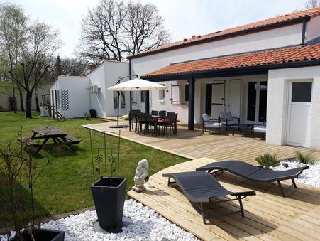 House € 332800  sur Benon (17170) - Réf. 635