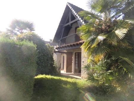 A vendre house Pau 64000; € 378000