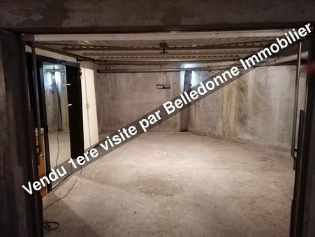 parking  20000 €