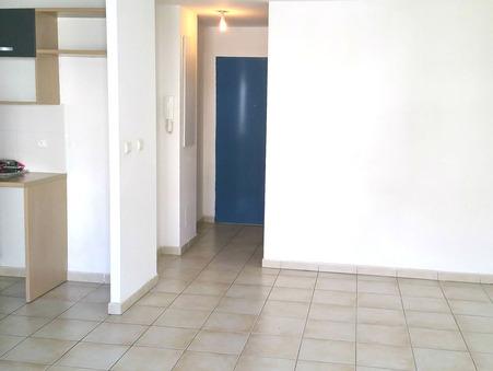 Appartement sur Ste Clotilde ; 730 €  ; Location Réf. 140/2015