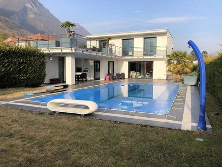 Maison sur Lumbin ; 712000 €  ; A vendre Réf. acgp2123v