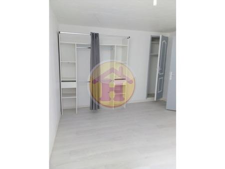 location appartement ROCHECHOUART 50m2 350€