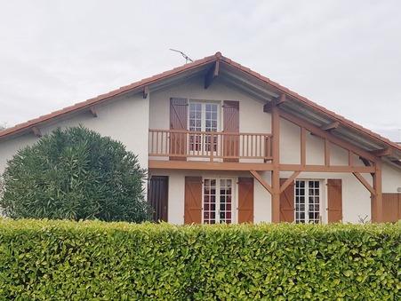 House € 209000  Réf. V105 Hagetmau