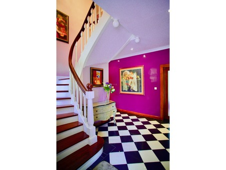 A louer maison À partir de 5500 €  Biarritz
