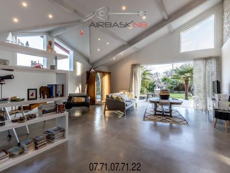 Maison sur Urcuit ; 442900 € ; A vendre Réf. LA-LYBERTÉ
