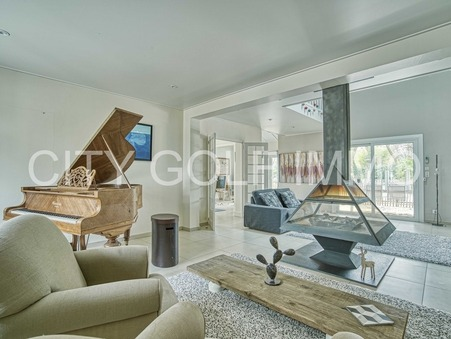 Maison sur Saint-Sulpice-et-Cameyrac ; 670000 €  ; Vente Réf. SJ280