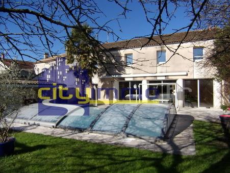 L'ISLE D'ESPAGNAC  378 000€
