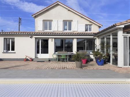 maison  301600 €