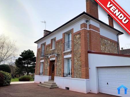 Vente Maison Saint-Prix Ref :4028 - Slide 1