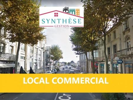 Location local Saintes 17100; 2000 €