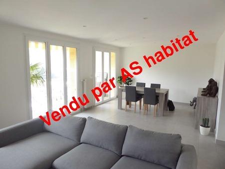 A vendre appartement Saint-Claude 89 m² 0  €