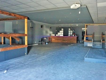 location local Saint-Mitre-les-Remparts 227m2 2000€
