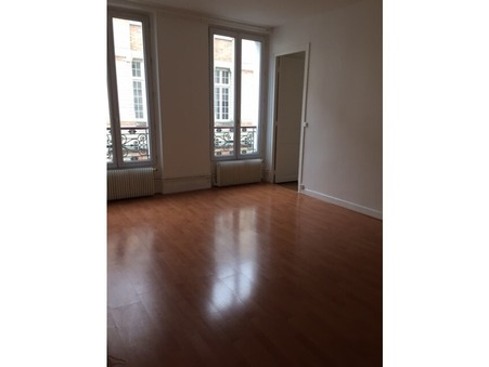 Apartment € 1 150  Réf. T-001 Paris 11eme Arrondissement