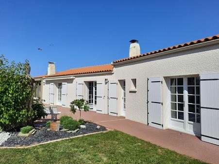 House € 647910  sur Angoulins (17690) - Réf. 682