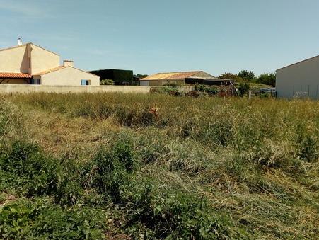 Land sur Saint-Jean-d-Angle ; € 48400  ; A vendre Réf. 683
