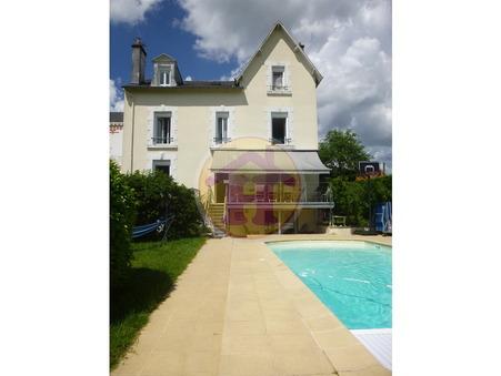 Saint-Junien  343 200€