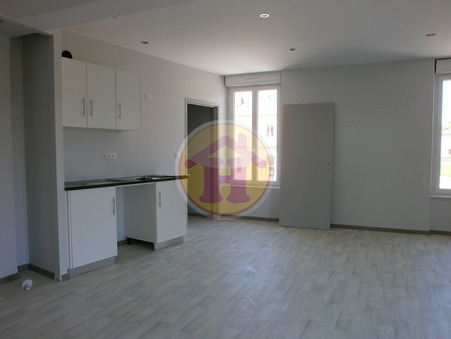 location appartement ROCHECHOUART 56m2 490€