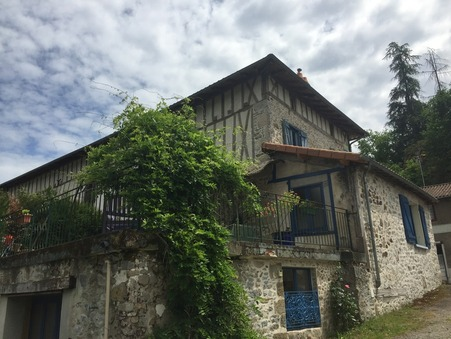 Saint-léonard-de-noblat  272 000€