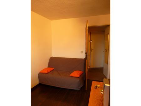 appartement  77000 €