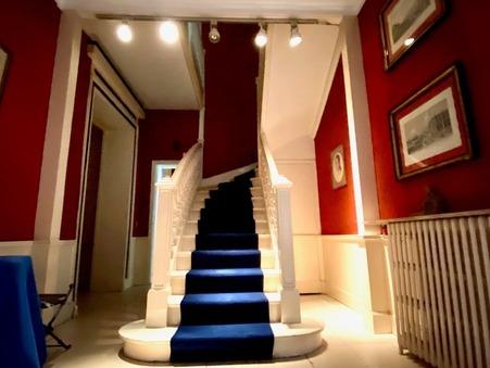 Maison sur Paris 8eme Arrondissement ; 1980000 € ; A vendre Réf. MON103