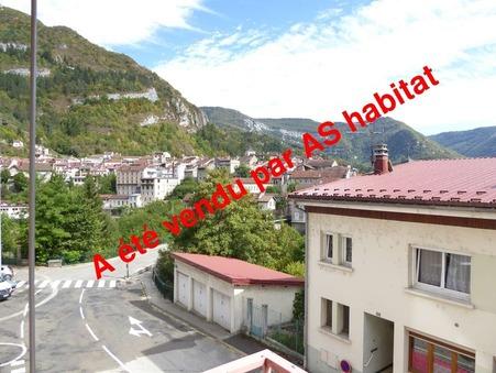 A vendre appartement Saint-Claude 72 m² 35 000  €