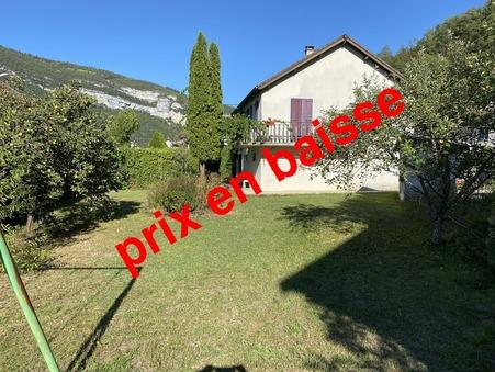 Vente maison Saint-Claude 150 m²  189 000  €