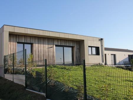Saint-Georges-des-Coteaux  299 500€
