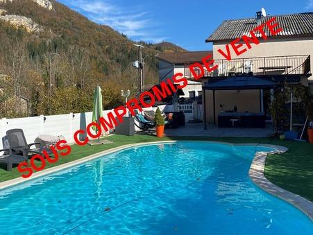 Vente maison CHASSAL 220 m²  236 250  €