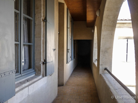 BEAUCAIRE  175 000€