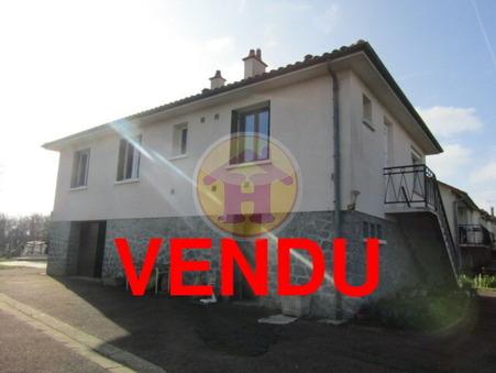 vente maison CONFOLENS 122m2 97200€