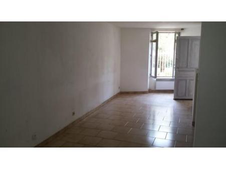 appartement  325 €