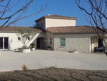 maison  682500 €