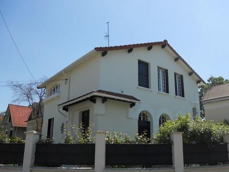 maison  985000 €