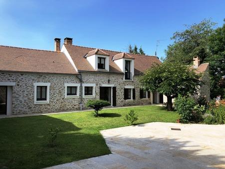 maison  619500 €