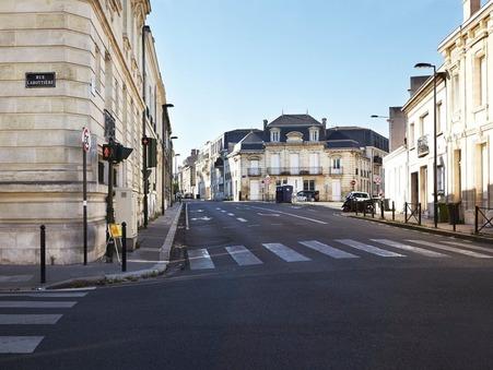 Bordeaux  854 900€