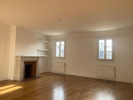 A louer appartement 2600 €  Paris 8eme Arrondissement