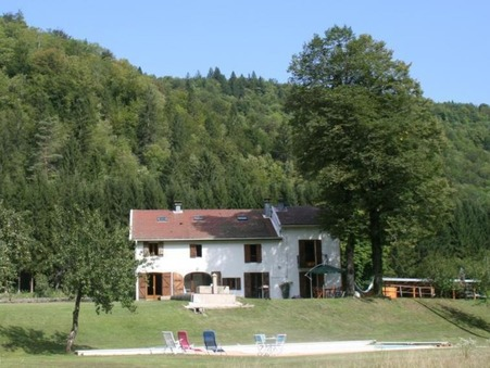 maison  448000 €