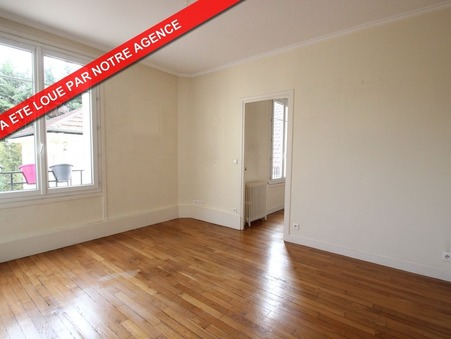 appartement  880 €