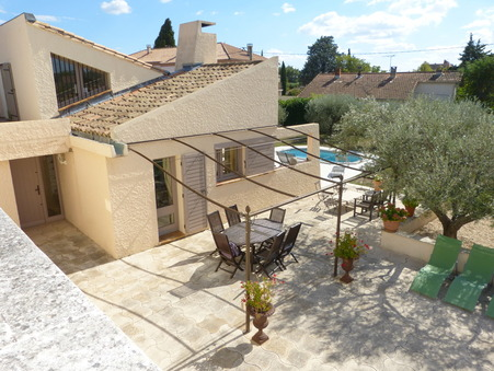 BEAUCAIRE  357 000€