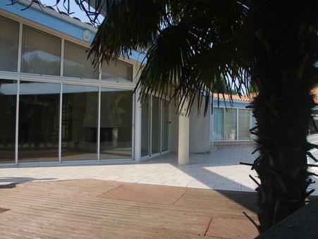 Maison 459400 € sur Saintes (17100) - Réf. 946