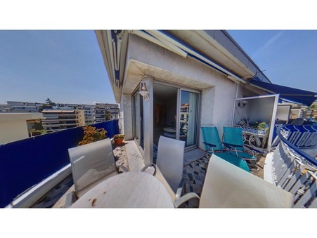 Cannes  375 000€