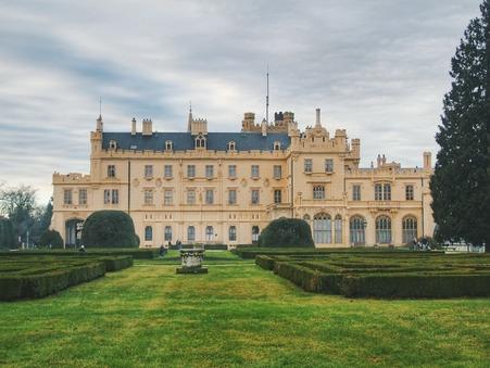 Vente castle € 1580000  Bessan