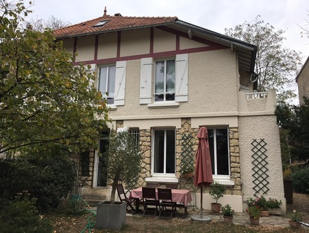 maison  695000 €