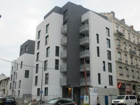 location parking Villeurbanne 80 €