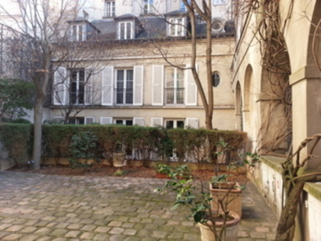PARIS 3EME ARRONDISSEMENT  445 000€