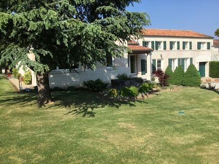Vente Maison Saintes Réf. 1137 - Slide 1