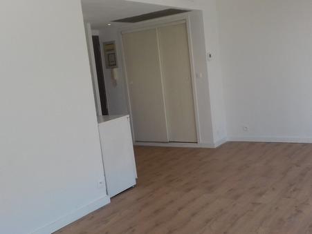 Location Appartement ALES Réf. 004 - Slide 1