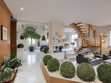 Vente maison CHAUMES EN  RETZ 227 m²  377 500  €