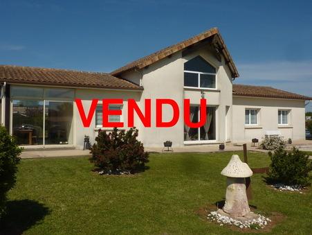 Vente Maison CHASSENEUIL SUR BONNIEURE Réf. 1633-19 - Slide 1