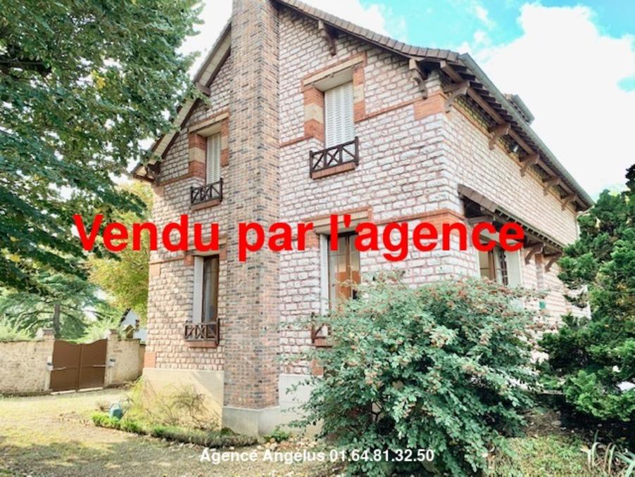 Maison Fontainebleau  525 000  �
